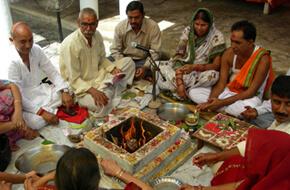 Hawan ceremony at Kada Dham